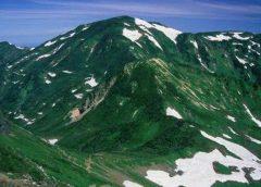 雪倉岳からの朝日岳