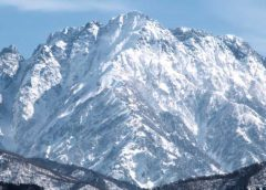 剱岳を西北西から望む