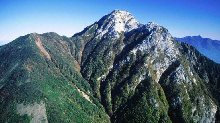 栗沢山から望む駒津峰と甲斐駒ヶ岳