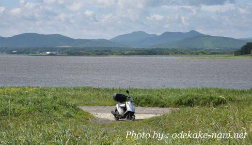 シブノツナイ湖とバイク