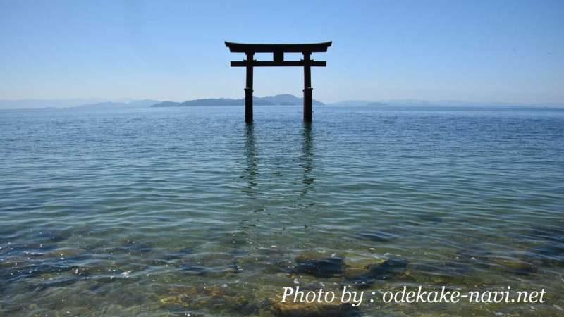 琵琶湖の白髭神社鳥居